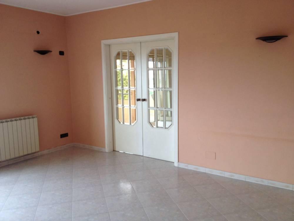 Camera dell'abitazione in vendita a Capo d'Orlando - Sicilia (provincia messina)