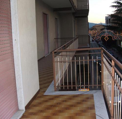 Balnone lato piazza Gepy Faranda