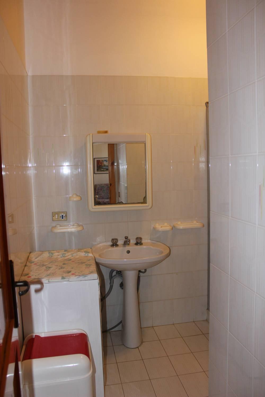 Foto 2 del bagno abitazione in vendita città di Marina di Caronia residence Torre del Lauro