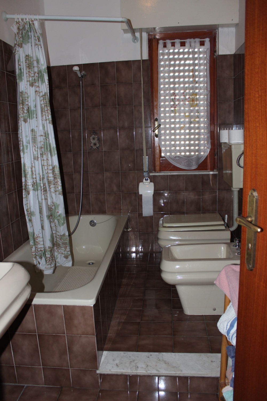 Secondo bagno - casa in vendita a Rocca di Capri Leone zona Via Industriale