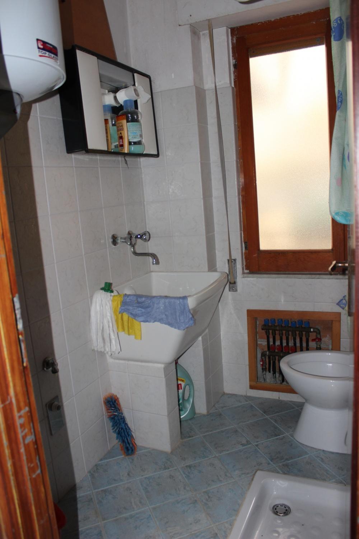 Bagno casa in vendita a Rocca di Capri Leone di fronte Irritec