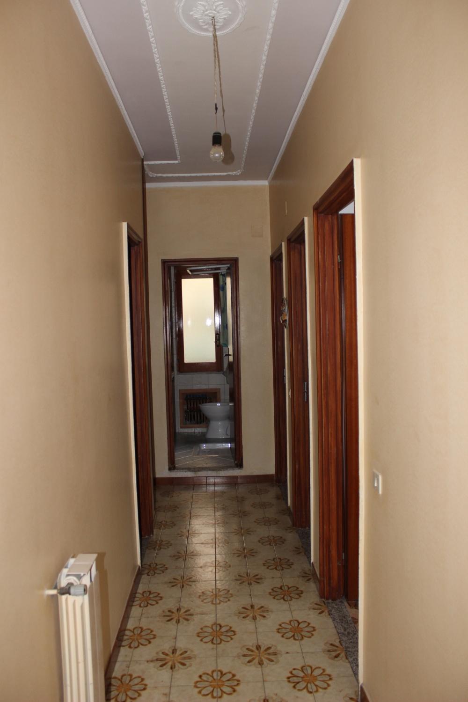 Disimpegno casa in vendita a Rocca di Capri Leone di fronte Irritec