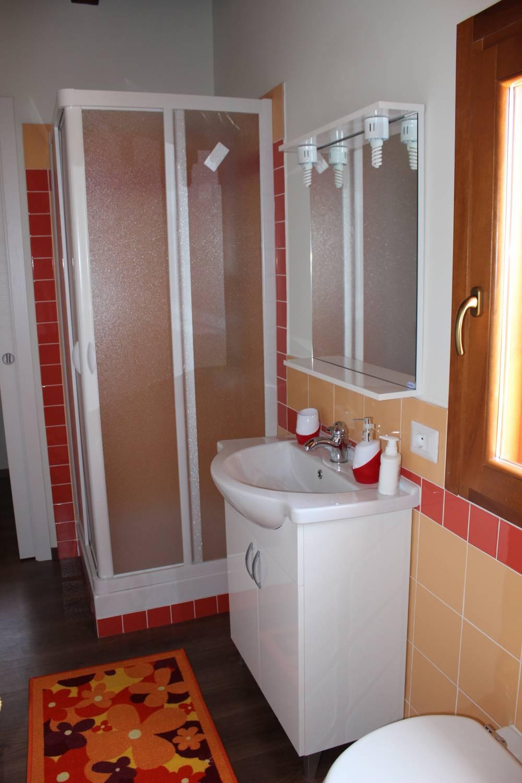 Foto n. 2 del bagno n. 1