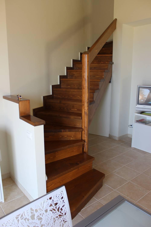 Scale di accesso al piano superiore