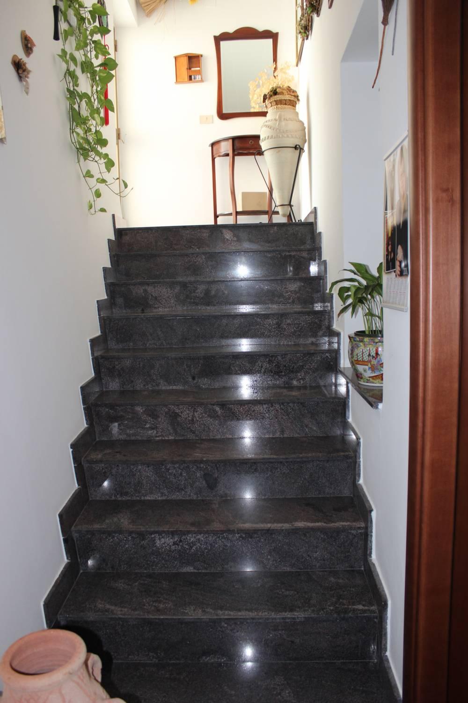 Scala interna - Casa singola in vendita a Capo d'Orlando CD20VF