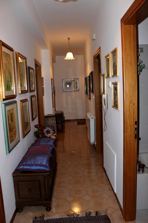 Corridoio casa vendita Rocca di Capri Leone