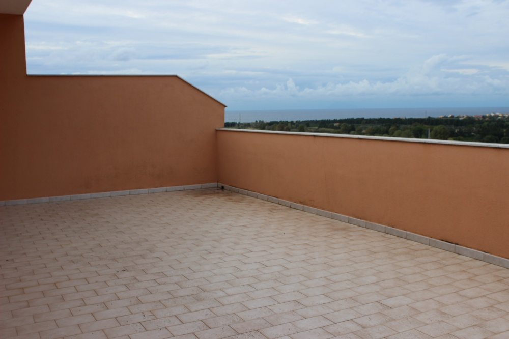 Terrazzo vista mare e città casa in vendita a Rocca di Capri Leone