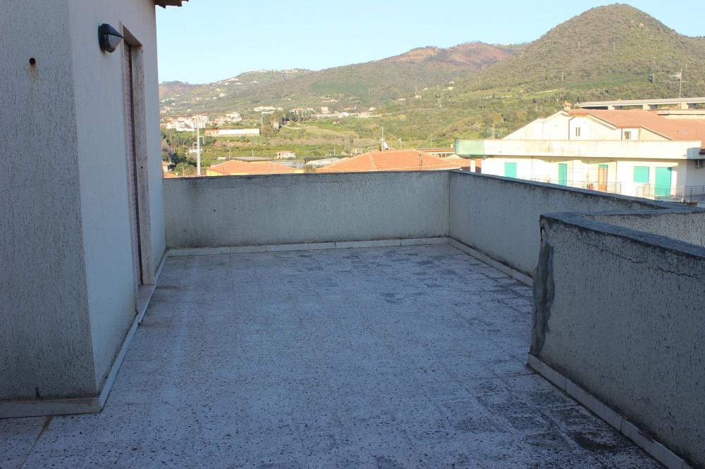Terrazzo della casa in vendita di Rocca di Capri Leone
