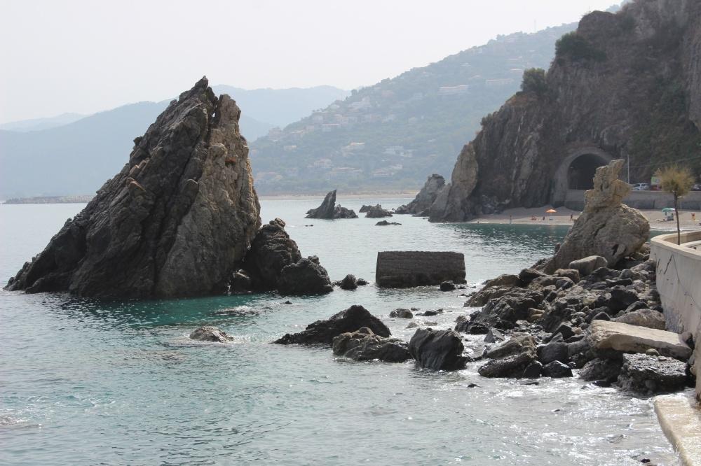 Foto 2 Spiaggia di San Gregorio - Casa Vacanza RC55 a Rocca di Capri Leone