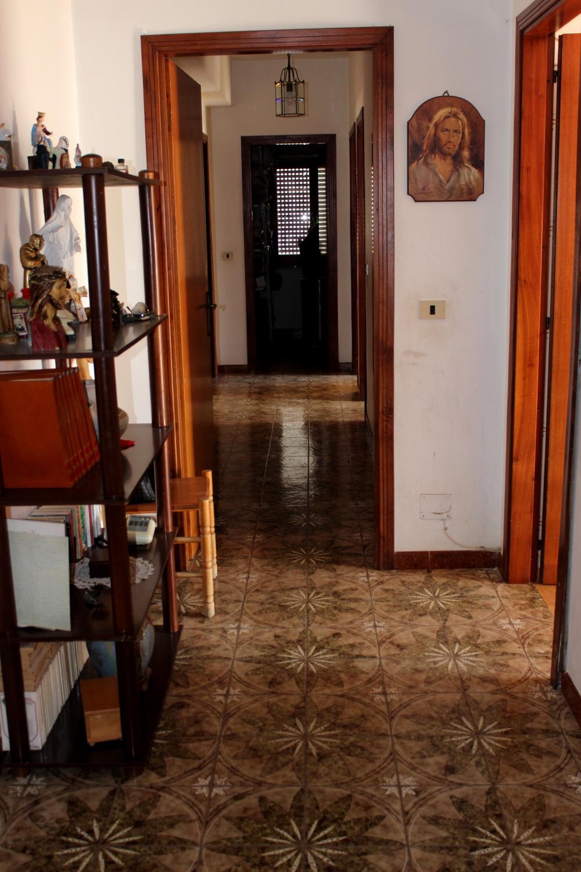 Corridoio abitazione in vendita a Rocca di Capri Leone RC76VF