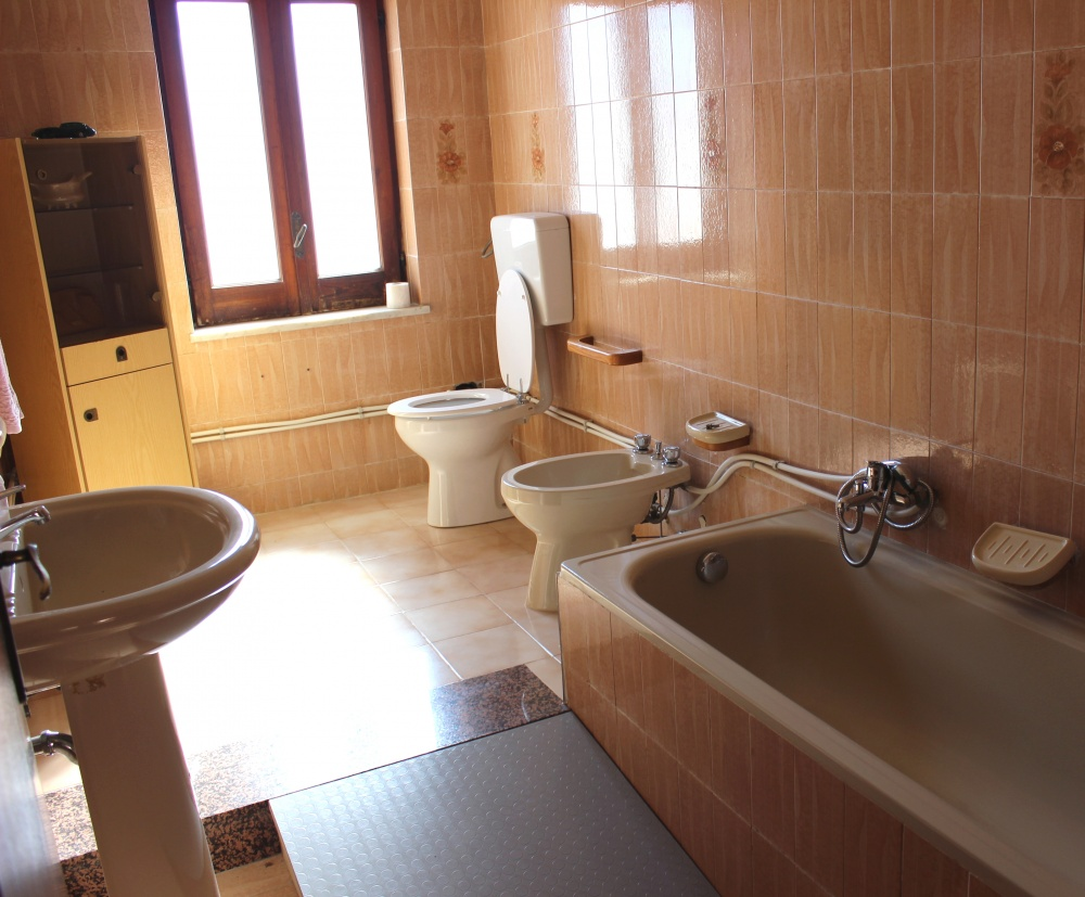 Bagno n. 2 abitazione in vendita a Rocca di Capri Leone RC76VF