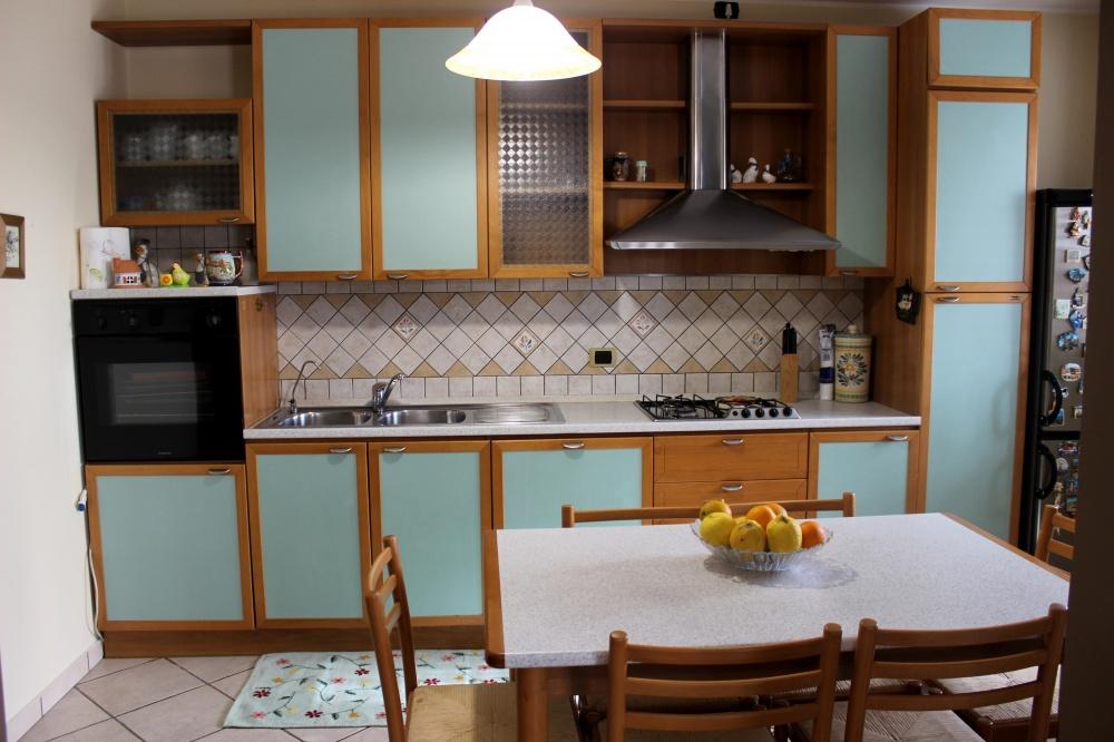 L'angolo cucina - Casa Vacanza RC55 a Rocca di Capri Leone