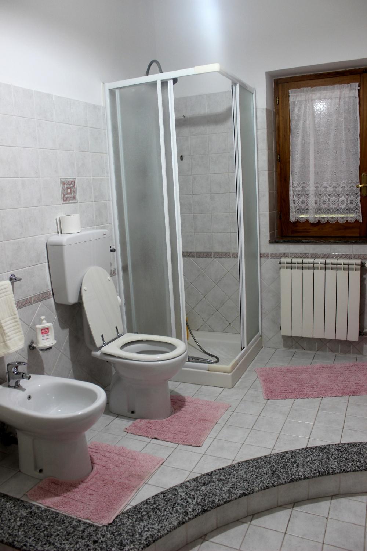 Bagno con doccia - Casa Vacanza RC55 a Rocca di Capri Leone