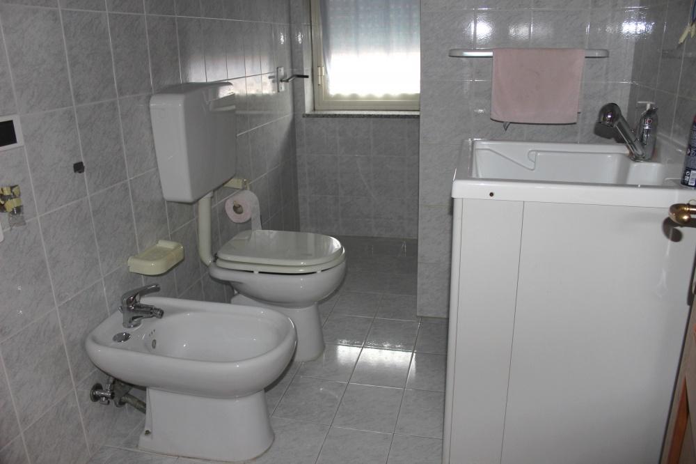 Bagno n. 2 dell'appartamento Rif. RC78VF a Rocca di Capri Leone
