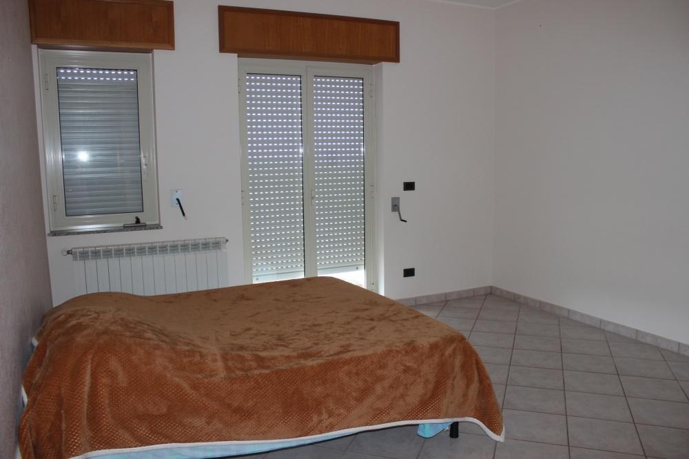 Camera da letto dell'appartamento Rif. RC78VF a Rocca di Capri Leone