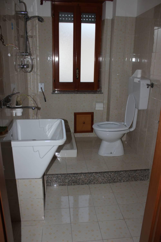 Bagno n. 2 appartamento in vendita a Rocca di Capri Leone - Sicilia