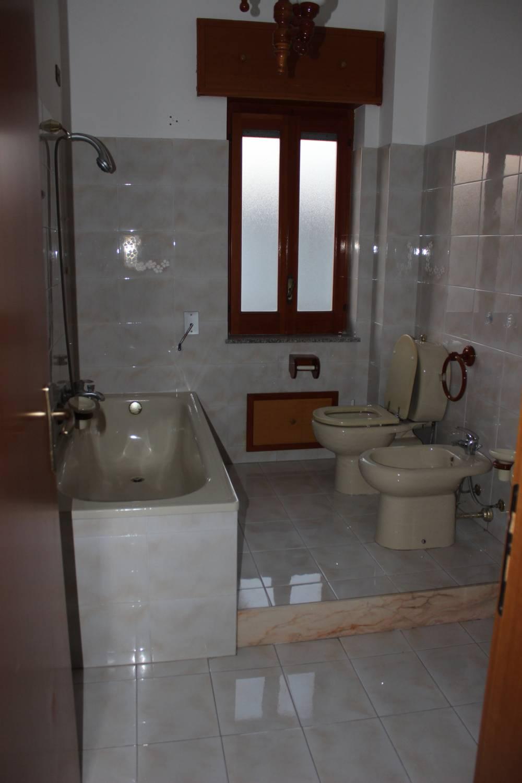 Bagno n. 1 appartamento in vendita a Rocca di Capri Leone - Sicilia