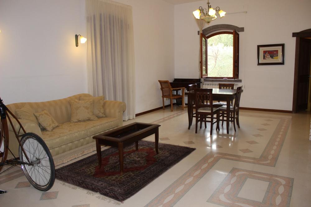 Foto n. 2 della camera soggiorno