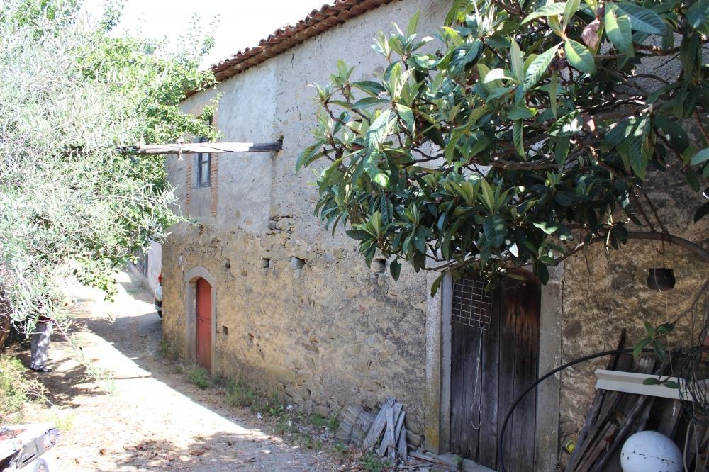 Foto 2 fabbricati rustici e terreno nel comune di Naso - Sicilia
