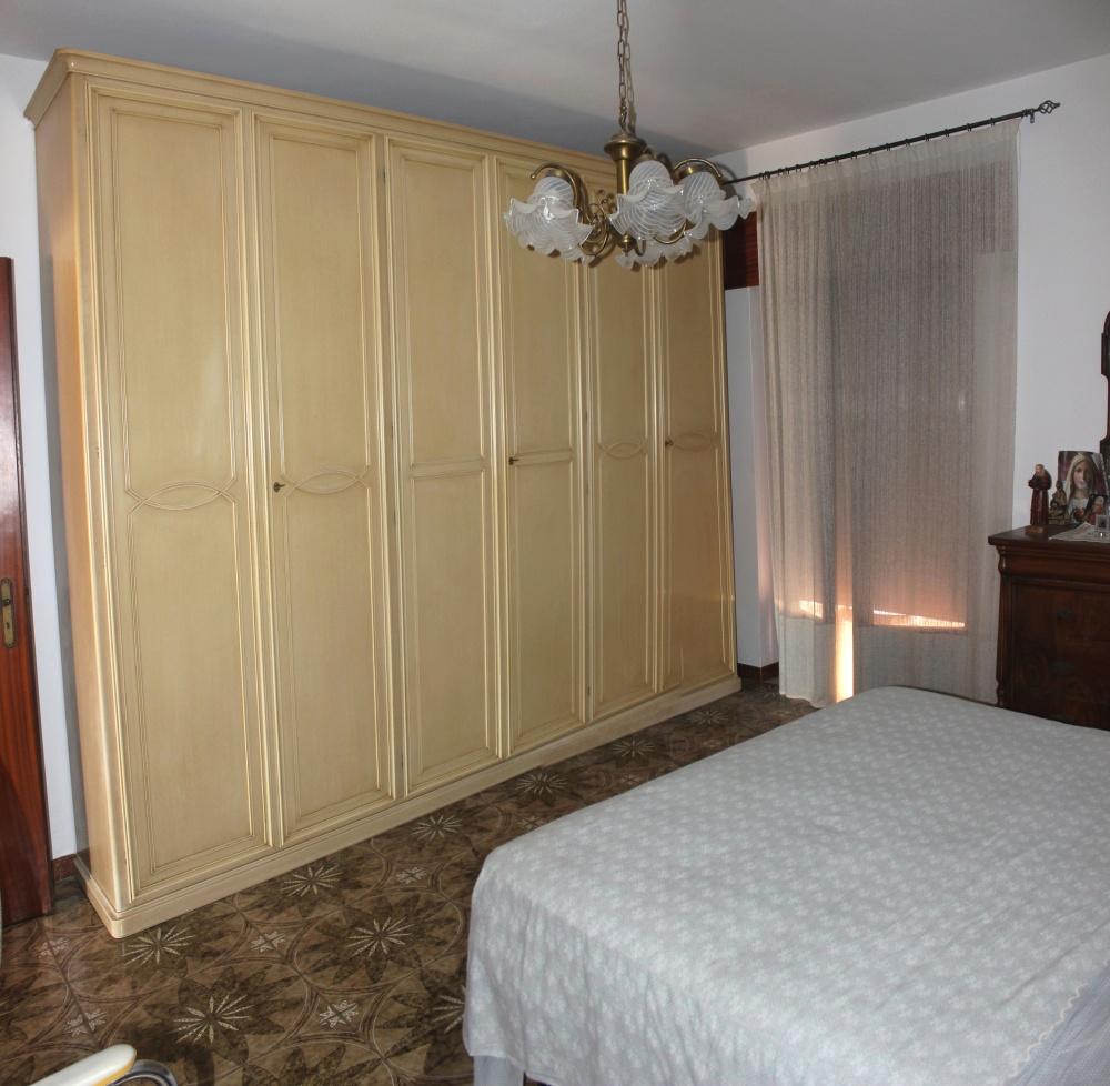 Foto n. 2 della prima Camera da letto abitazione in vendita a Rocca di Capri Leone RC76VF