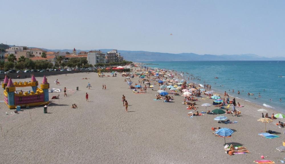 Spiaggia del lungomare Andrea Doria - Casa Vacanza RC55 a Rocca di Capri Leone