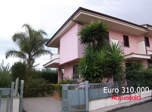 Villa con piscina e campo da tennis in residence - Acquedolci