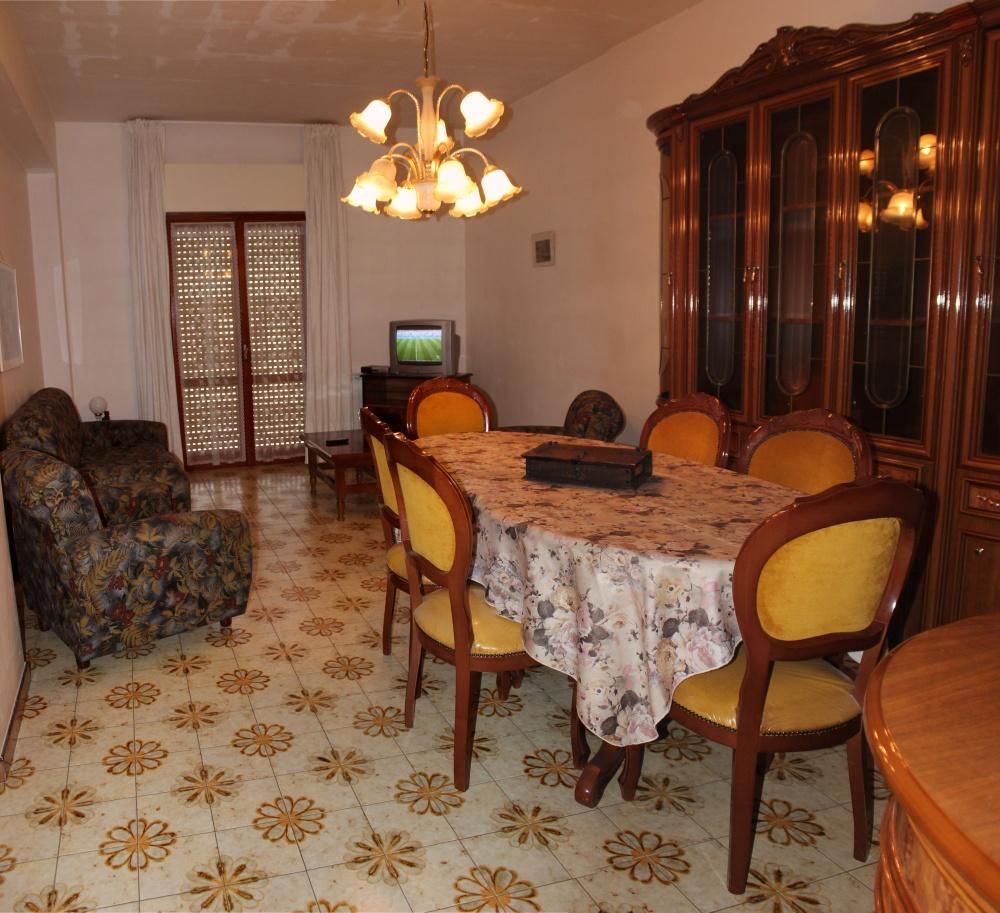 Soggiorno casa in vendita a Rocca di Capri Leone zona Via Industriale