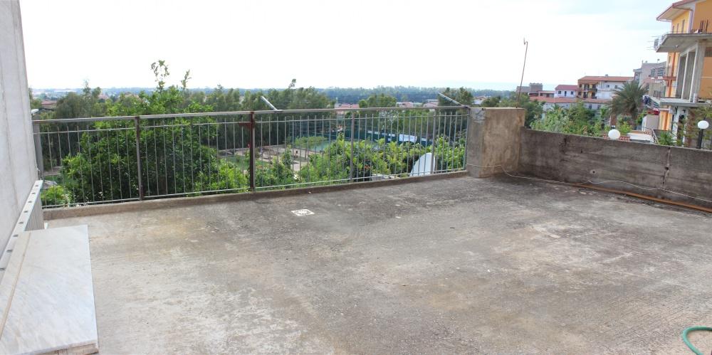 Terrazzo mini appartamento in vendita a Rocca di Capri Leone - Sicilia