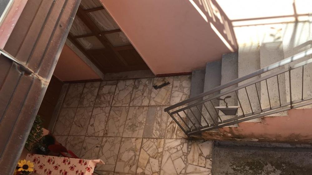 Scale che portano al mini appartamento in vendita a Rocca di Capri Leone